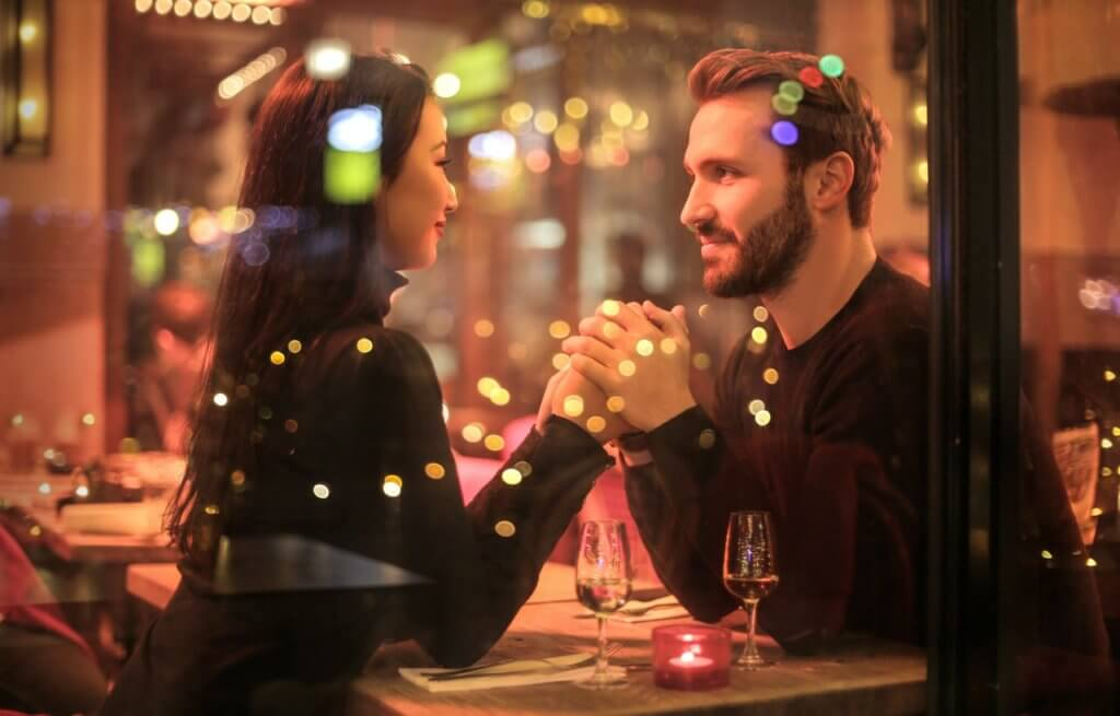 Should Men Pay Everything on a Relationship?